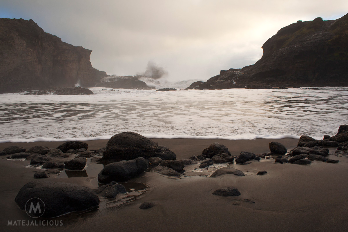 The Gap Piha Beach - Matejalicious Travel and Adventure