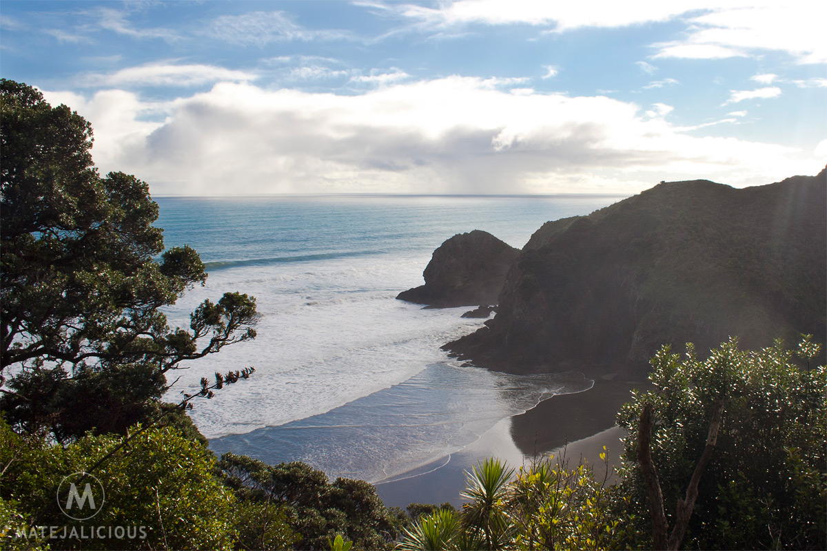 Whites Beach Piha - Matejalicious Travel and Adventure