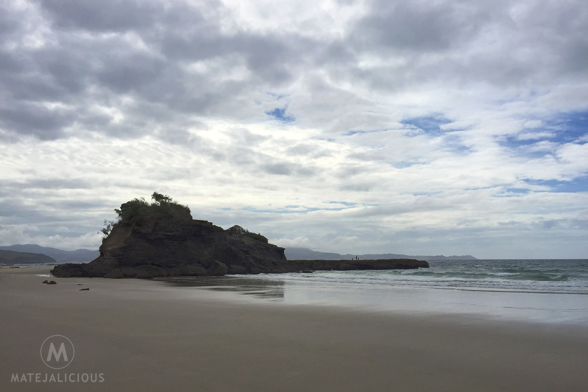 Tawharanui Flat Rock - Matejalicious Travel and Adventure