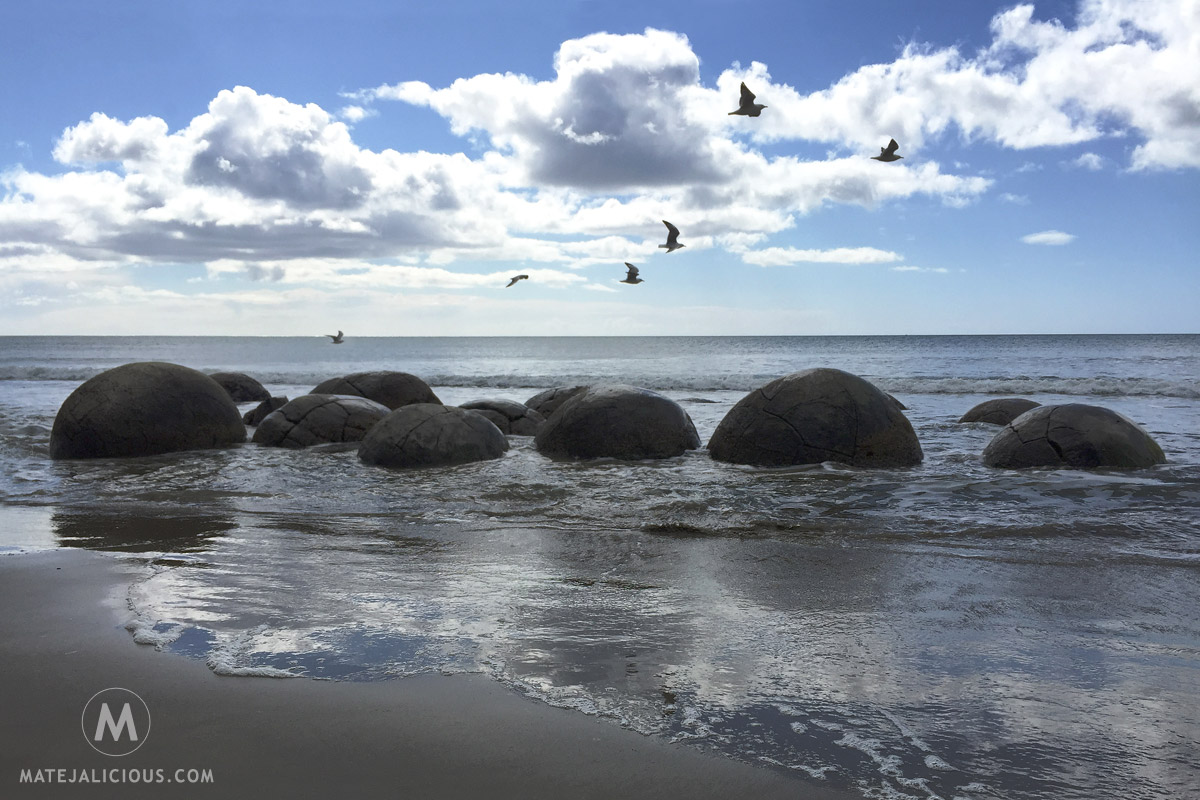 Moeraki Boulders Otago - Matejalicious Travel and Adventure