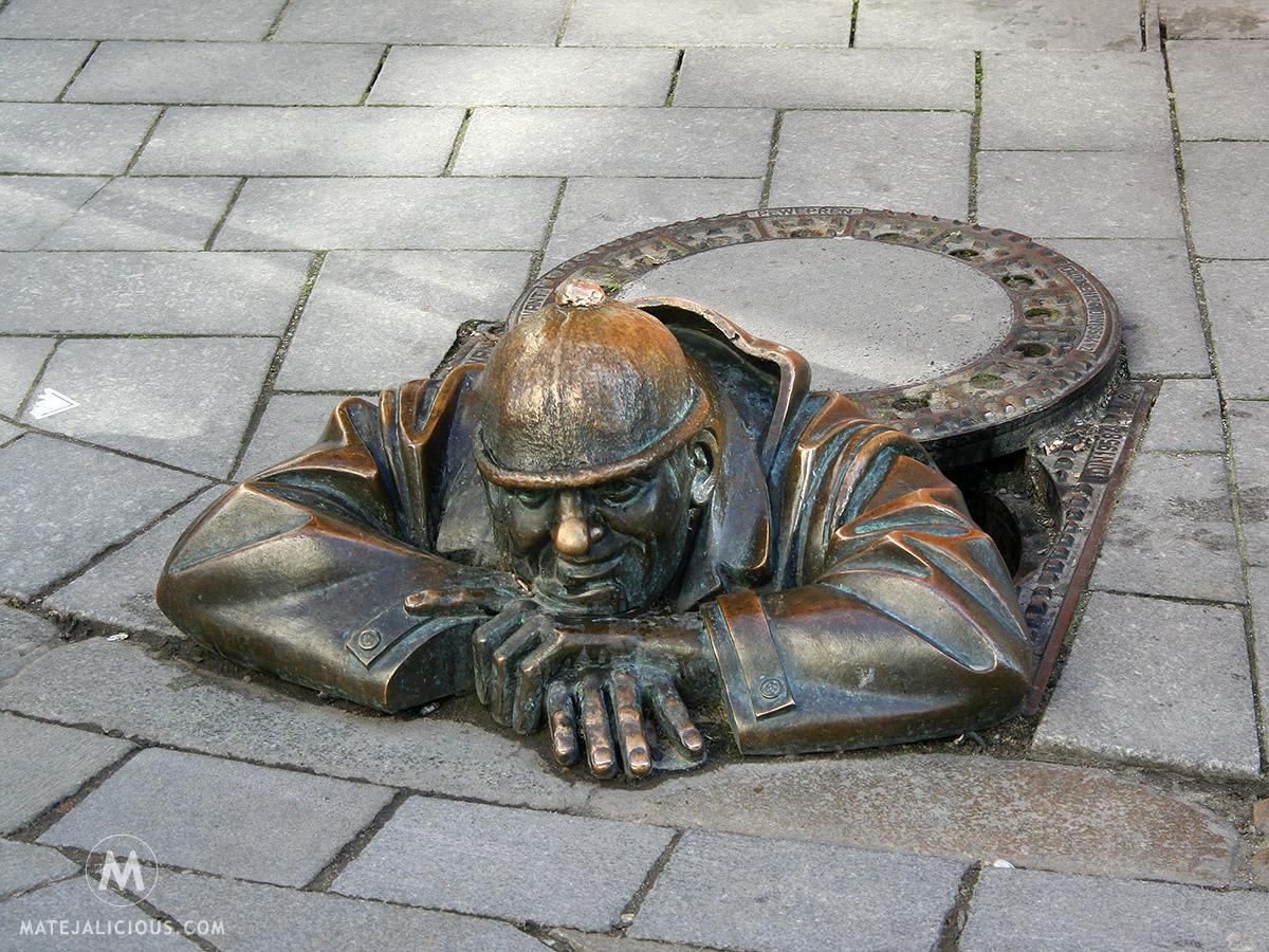 Statue Cumil - Matejalicious Travel and Adventure