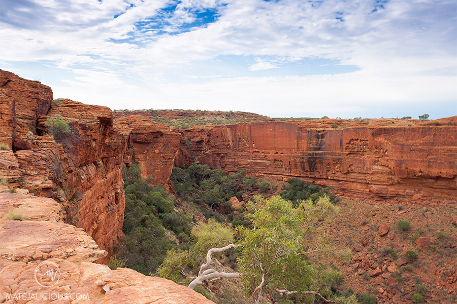Kings Canyon Sandstone Cliffs - Matejalicious Travel and Adventure